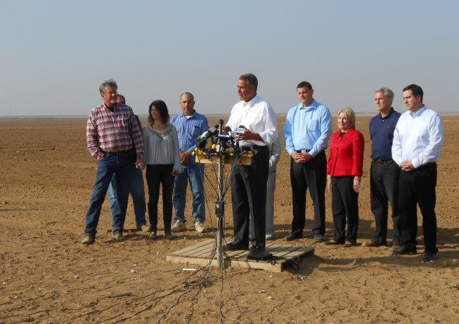 Picture of Speaker Boehner and CA House Members at Press Conference