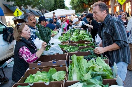 """We Grow What We Sell"" Legislation Will Affect Farmers' Markets in 2015"
